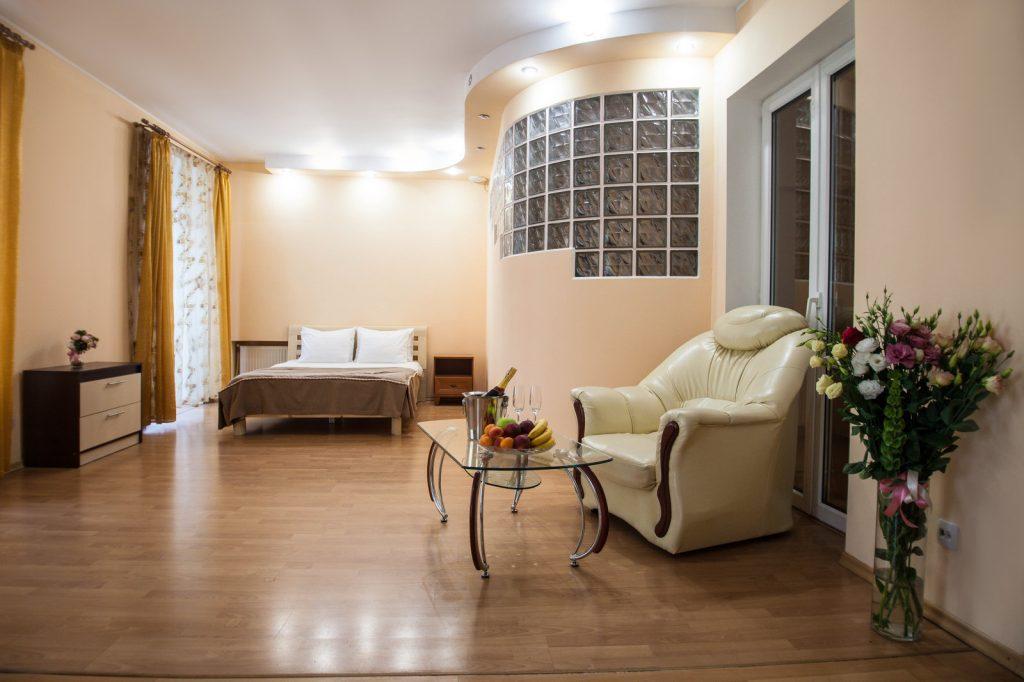Двухкомнатные апартаменты на Дерибасовской