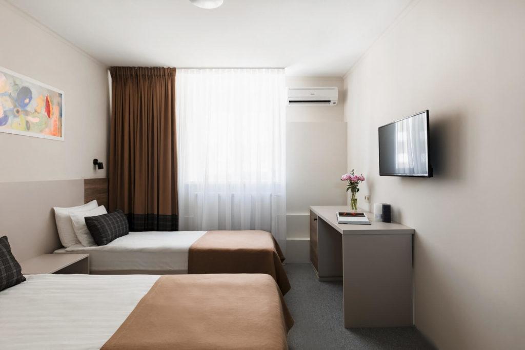 Standard_room_in_odessa