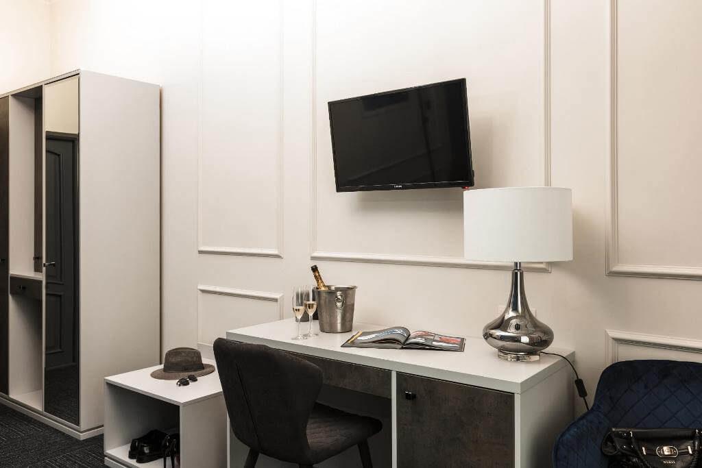 deluxe-room-in-hotel-odessa (6)