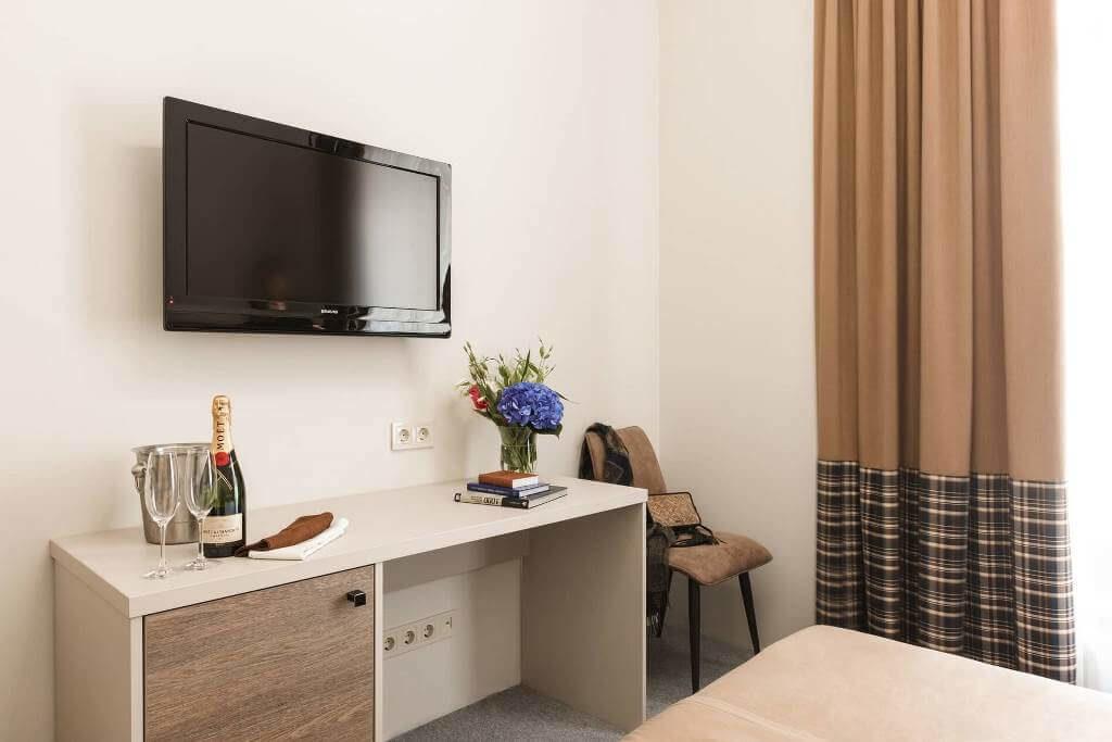 standart-room-hotel-odessa