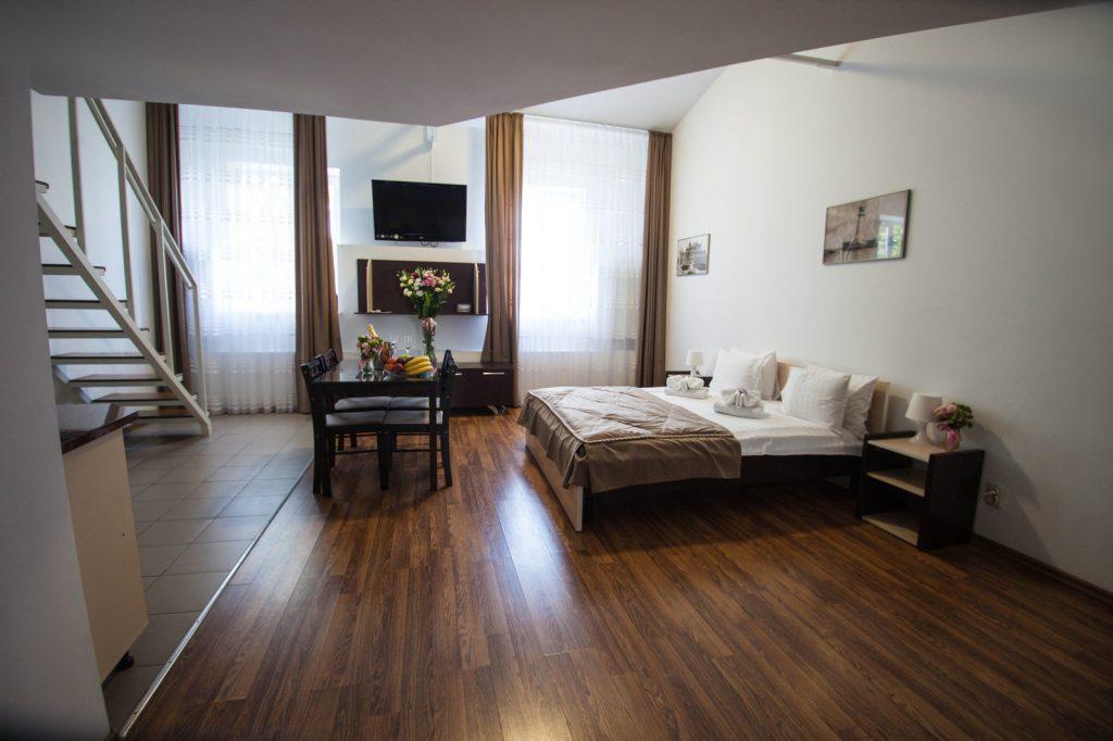 Bed in Comfort room Deribas hotel