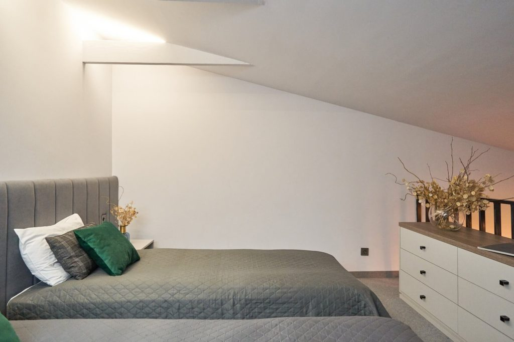 402-superior-room-twin-beds